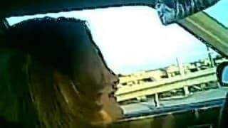 Una mujer madura en un video de sexo amateur