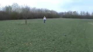 Una mamada de palo fuera de casa