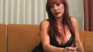 Una mujer madura hambrienta de sexo