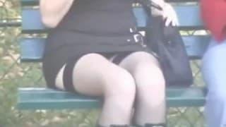 Competencia de upskirt en público