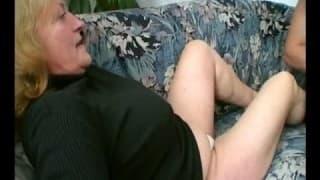 Amor y sexo entre una vieja y un joven