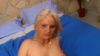Una verga para follar a esta mujer madura