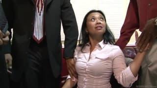 Lucky Star follando con ganas  en una reunión de trabajo