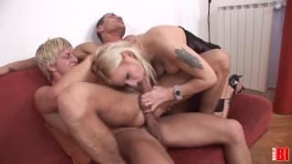 Amina con Boris y Denis Reed follando