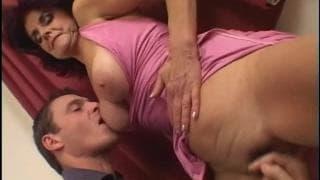 Jessica es una mujer madura que adora el sexo