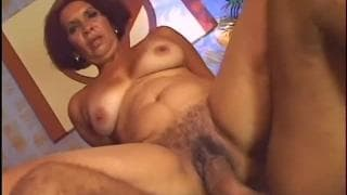 Pamella Brasil es una latina madura divertida