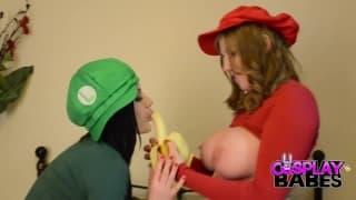 Mario y Luigi son lesbianas y juegan juntas