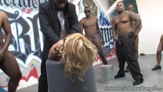 Gang bang interracial para Katie Summers