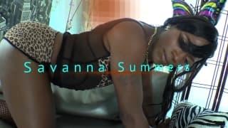 Savanna Summers es una trans que se masturba