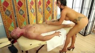 Austin Lynn y Jamie Stone en un buen masaje
