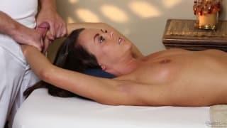 Rahyndee y Eric en una sala de masajes