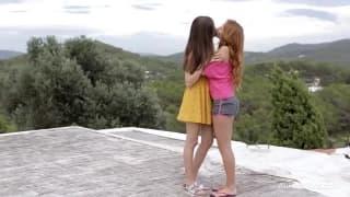 Así se enamoran dos chicas que son lesbianas