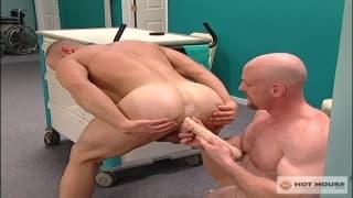 Craig Reynolds y Hogan Wade follan juntos