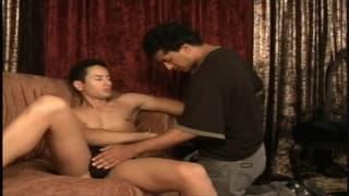 Jake Daniels testeando un culo de macho