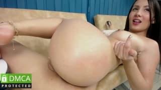 Colombian Girl Swietcherrysx 19 Showing Ass